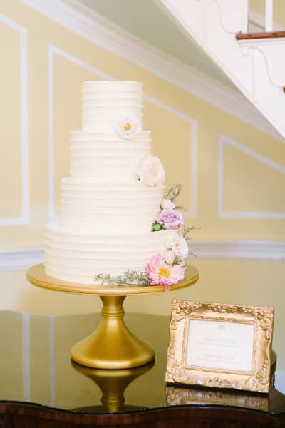 Fall wedding in Charleston at Lowndes Grove | Wedding cake by PPHG