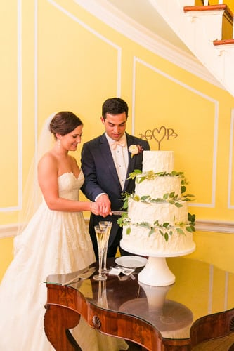 4 tier PPHG cake by pastry chef Jessica Grossman in historic Lowndes Grove Plantation | Spring wedding cake inspiration | Photo by Dana Cubbage