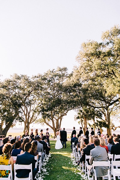 Fall wedding inspiration at Lowndes Grove Plantation in Charleston, South Carolina | Photo by Sara Bee Photography