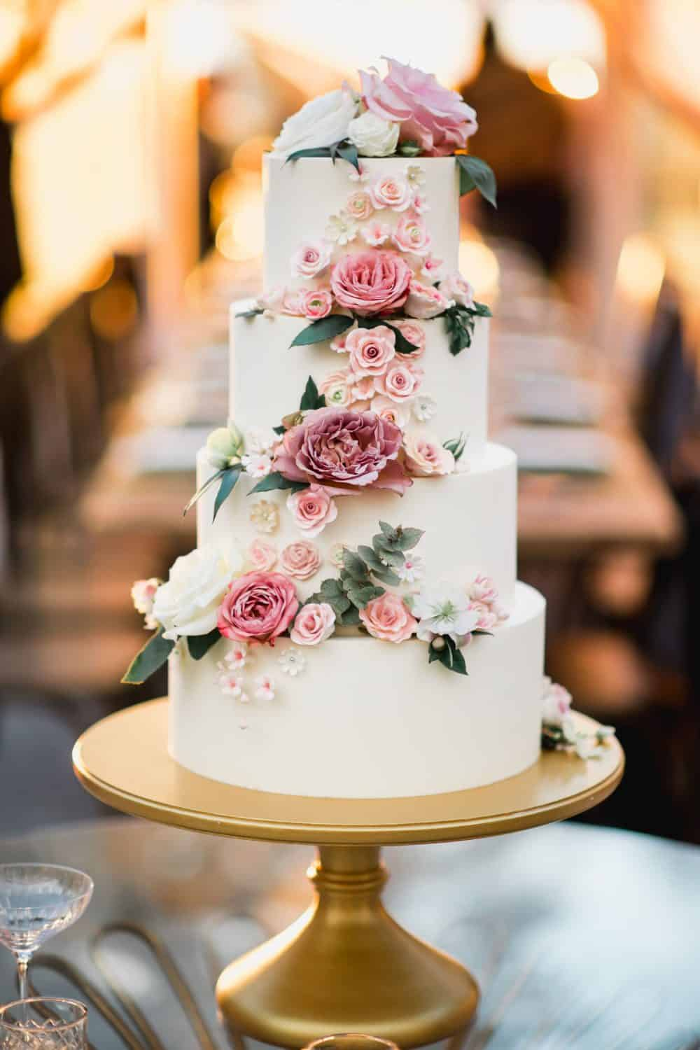 Wedding Cake Wednesday – Give Me Some Sugar (Flowers)
